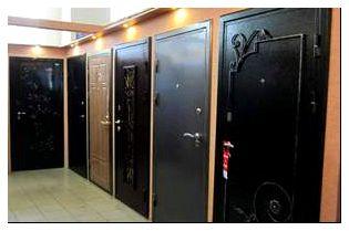 Металлические двери могут быть очень разными.