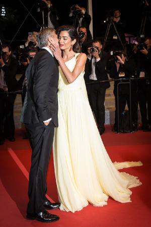 СМИ: Джордж Клуни станет отцом двойни