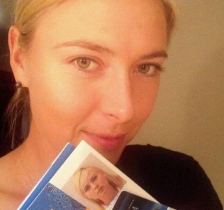 Мария Шарапова. Звезда тенниса поделилась селфи без макияжа в преддверии Олимпиады в Сочи.