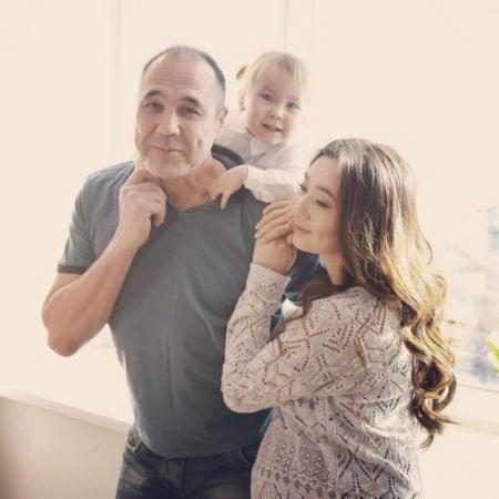 Во время реабилитации Ксении Дмитрий, несмотря на занятость, не отходил от любимой и ухаживал за ней. Такая забота не оставила девушку равнодушной: пара поженилась 8 сентября 2011 года.
