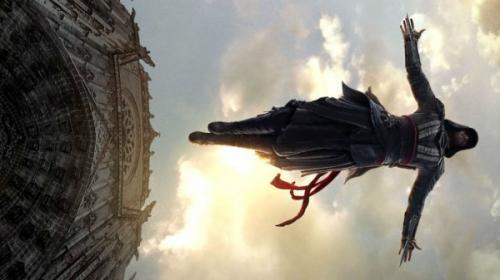 Фильм «Кредо убийцы» продолжает лидировать в российском прокате