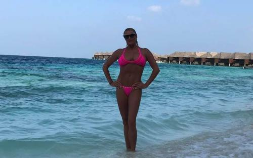 Анастасия Волочкова с сиськами в разные стороны повергла в шок пользователей Instagram