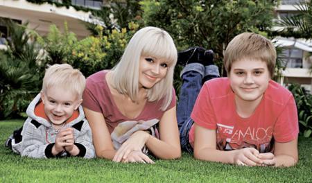 Певица Натали ожидает рождения третьего ребенка