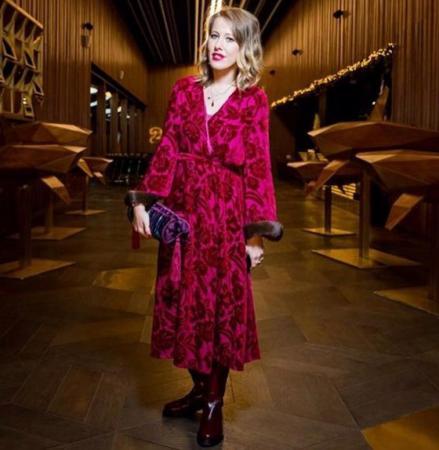 Пользователи высмеяли Ксению Собчак в модном халате