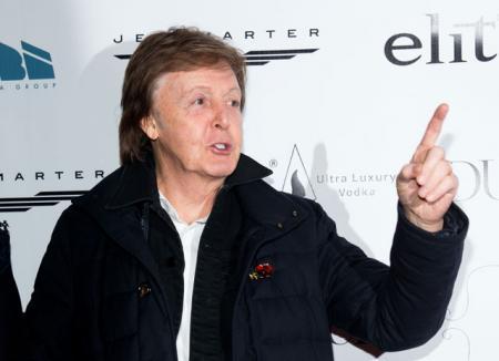 Пол Маккартни требует вернуть права на песни The Beatles, которые сам когда-то продал