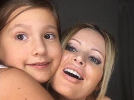 9-летняя дочь Даны Борисовой устроилась на работу