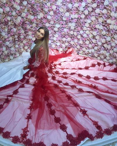 Экс-участница «Дом 2» Мария Адоевцева собирает деньги на храм: креативное решение от поклонников