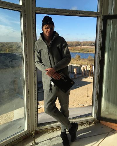 Дмитрий Тарасов скоро станет отцом – его возлюбленная на 4 месяце беременности