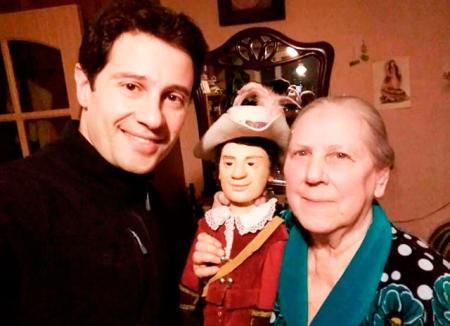 Антон Макарский стал обладателем уникальной куклы