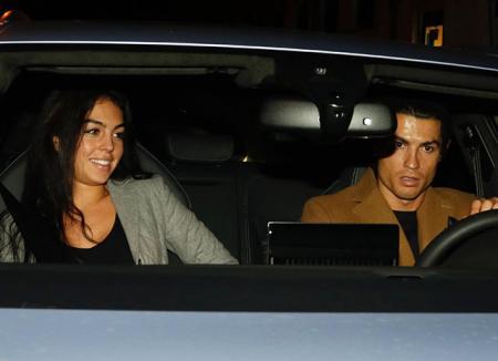 Криштиану Роналду провел особенный день со своей девушкой Джорджиной Родригез