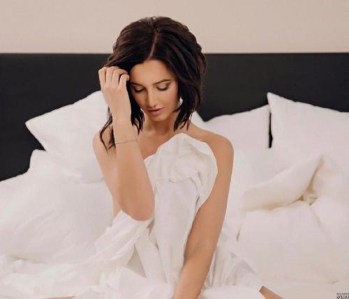 Ольга Бузова снимает клин на песню «Привыкаю» в режиме онлайн – поклонники ждут «бомбу»