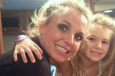 Состояние попавшей в аварию 8-летней племянницы Бритни Спирс стабилизировалось: девочка идет на поправку