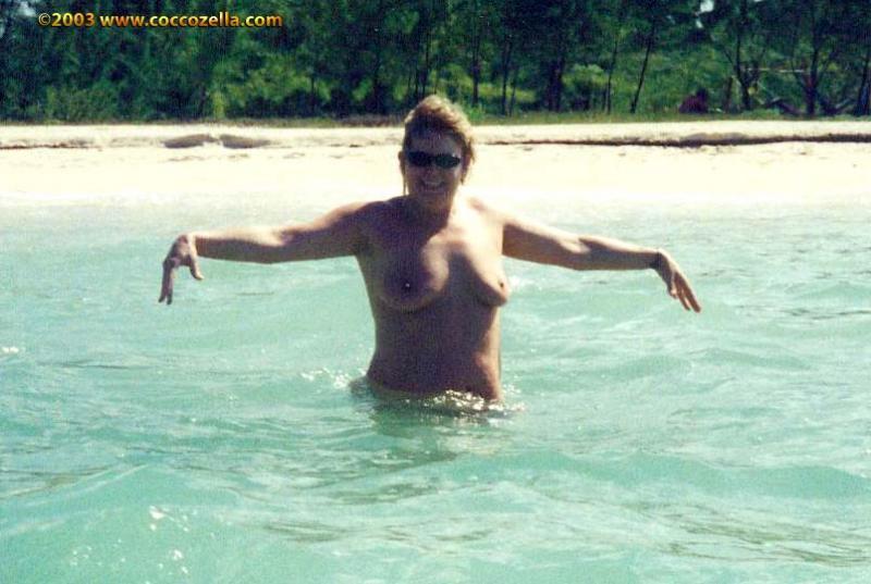 Amateur nudist beach voyeur 29