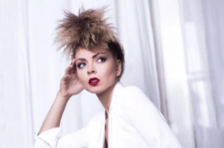 Звезда шоу «Голос» Оксана Казакова просит о помощи в лечении мамы
