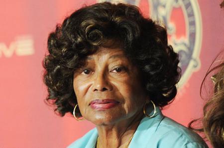 Мать Майкла Джексон подала в суд на своего племянника за эмоциональное насилие и мошенничество