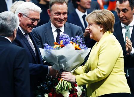 Ангела Меркель поздравила с победой нового президента Германии