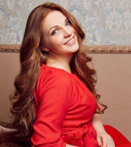 Певица Марина Девятова родила дочь