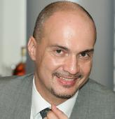 Звезды вспоминают ушедшего из жизни режиссера Максима Паперника