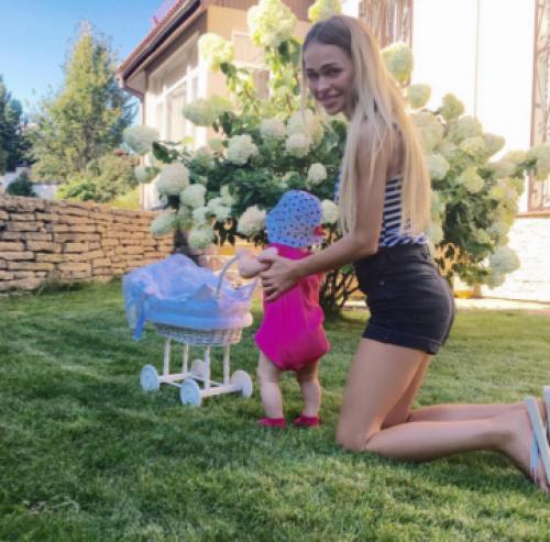 Анна Хилькевич не ожидала рождения дочери