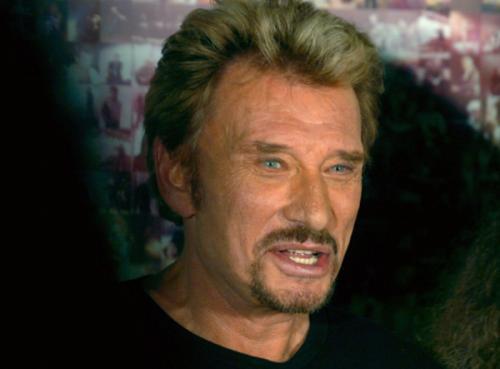 Французский рок-певец Джонни Холлидей лечится от рака