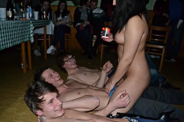 domashnee-video-striptiz