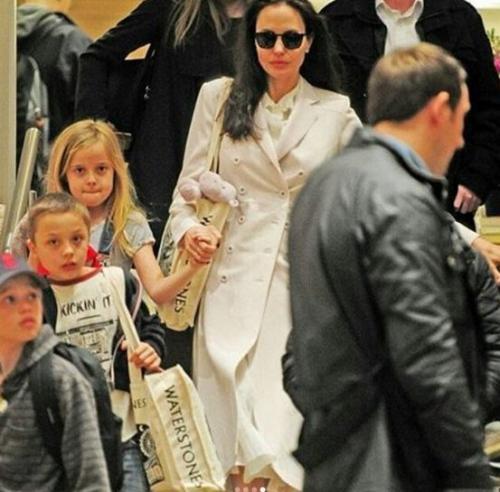 Фанаты Анджелины Джоли поражены плохим внешним видом ее детей