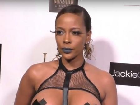 Актриса явилась на вечеринку в Голливуде в скандально откровенном платье