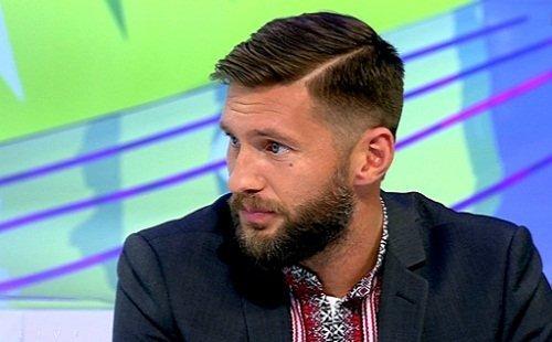 Футболист Евгений Левченко озадачил снимком из уборной