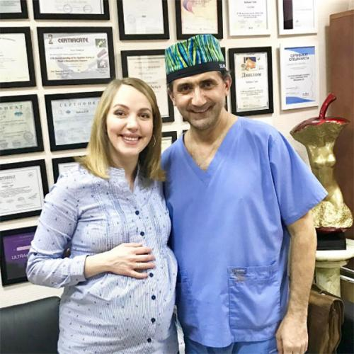 Беременная Галина Боб посетила пластического хирурга