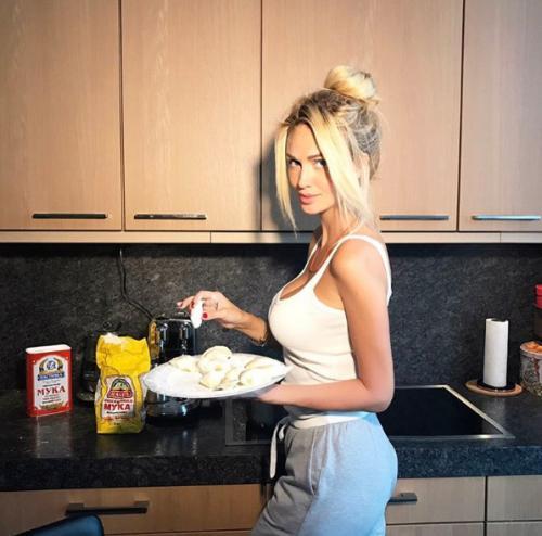 Публика раскритиковала кулинарные способности Виктории Лопыревой