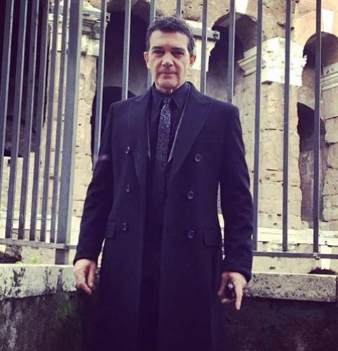 Западные СМИ передают об экстренной госпитализации Антонио Бандераса