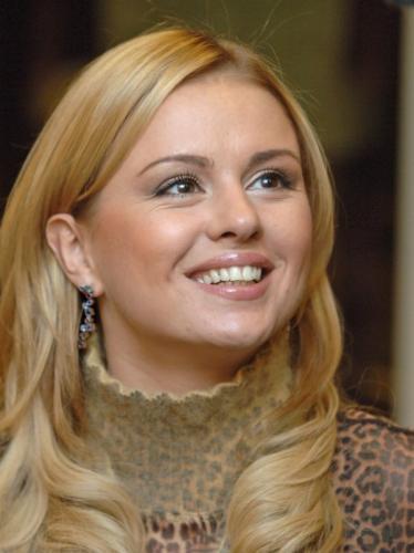 На западе для рекламы секс-часа использовали фото обнаженной Семенович
