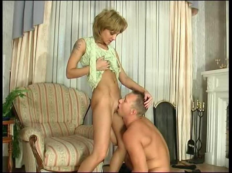 Мама Заставляет Сына Лизать Её Киску Порно