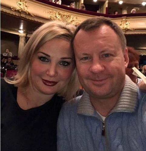 Мария Максакова намерена защищать честь погибшего мужа
