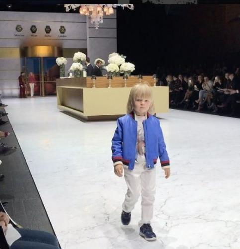 Рудковскую и Плющенко раскритиковали за участие сына в модном показе