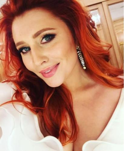 Звезда проекта «Голос» Анастасия Спиридонова расплакалась на приеме у хирурга