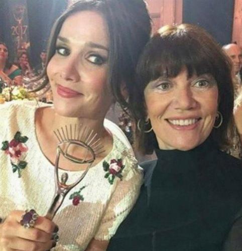 Наталья Орейро удивила поклонников фотографией своей мамы