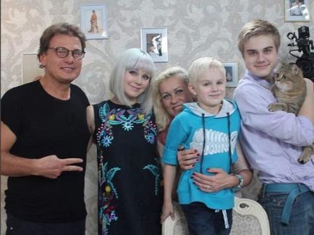 Певица Натали родила третьего сына