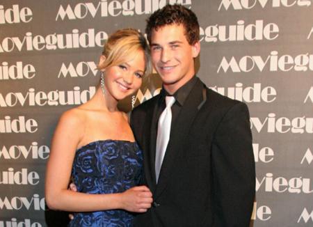 Друг Дженнифер Лоуренс актер Клэй Адлер покончил с собой в возрасте 27 лет