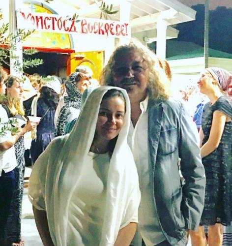 Игорь Николаев встречает Пасху с дочерью Юлией