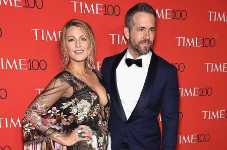 Примерный муж и любящий сын: Райан Рейнольдс в компании жены и матери на Time 100 Gala