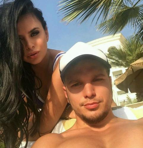 Гусев и Романец показали пикантные фото с отпуска