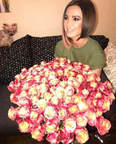 Ольга Бузова анонсировала свой первый сольный концерт в Москве