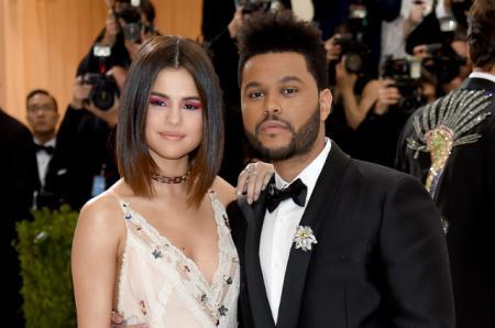 Бал Института костюма-2017: Селена Гомес и The Weeknd впервые появились вместе на красной дорожке