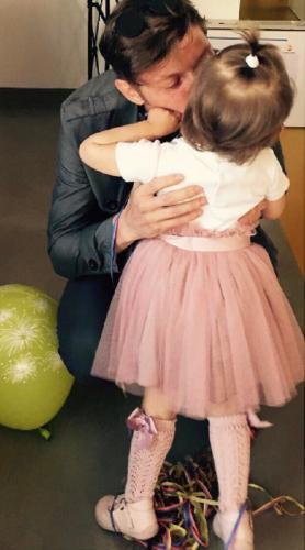 Ляйсан Утяшева показала трогательный снимок Павла Воли с дочкой