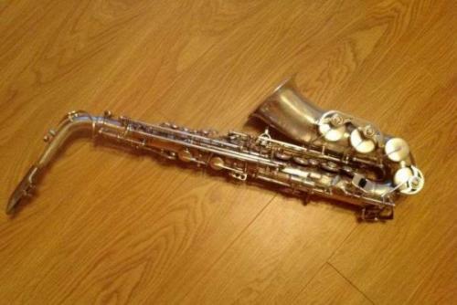 Африканский саксофонист 46 минут непрерывно держал ноту
