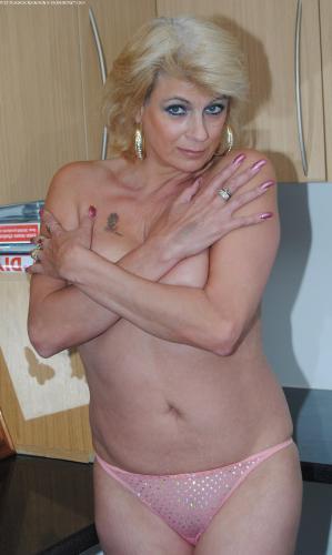 Showing porn images for mistress selena porn-6836