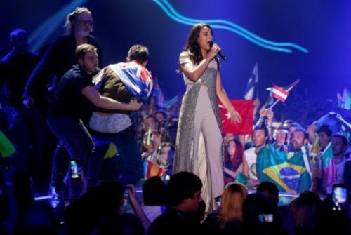Оголившийся на «Евровидении» Седюк рассказал о сделанном одолжение певице Джамале
