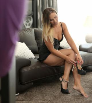 Naomi Bennett - More Than Want (2017) FullHD 1080p